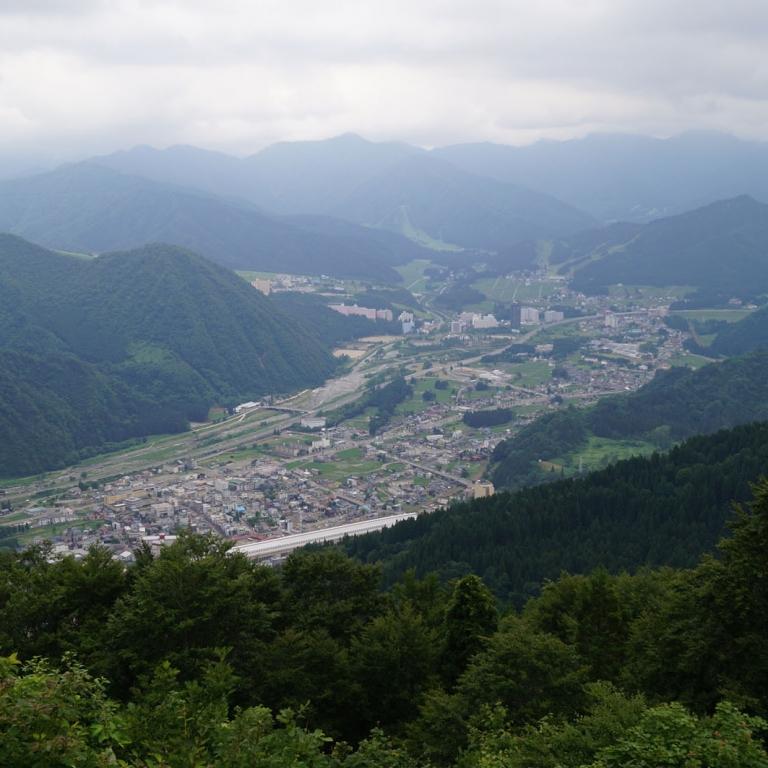 Один из главных горнолыжных курортов страны - ЮдзаваОнсэн; Ниигата