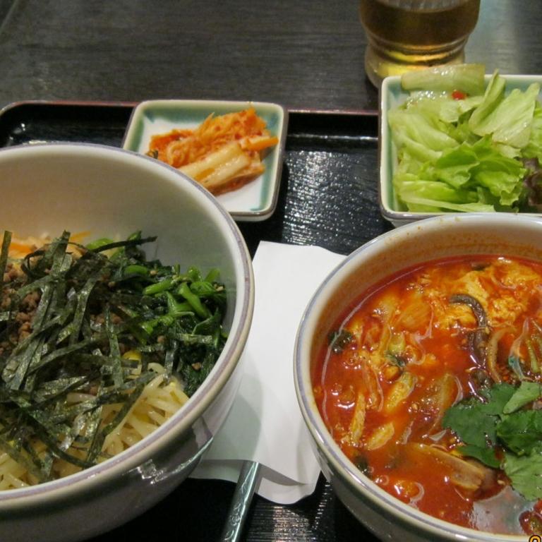 Вареная лапша и острый суп по-корейски; Токио