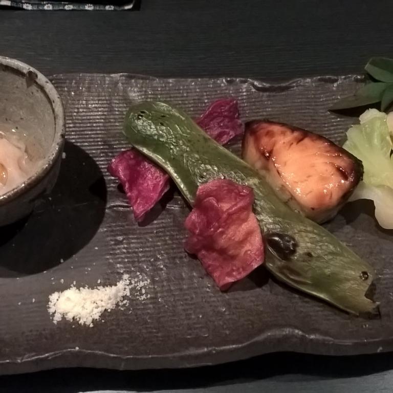 Жареная рыба с овощами и солью; Токио