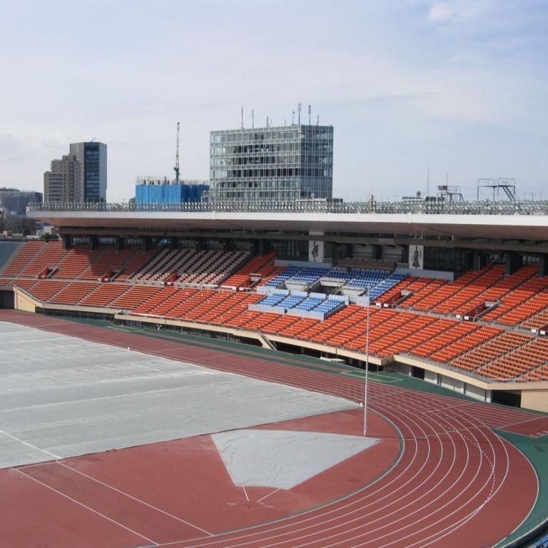Ныне снесенный старый олимпийский стадион 1964 г.; Токио