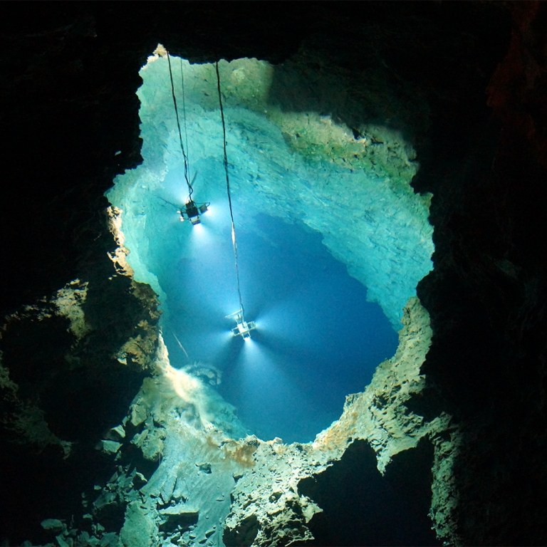 Водопады, пещеры