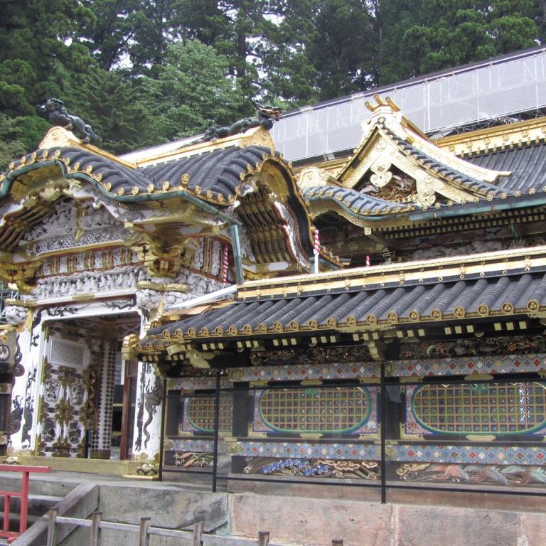 Одно из строений храма Никко Тосёгу; Тотиги