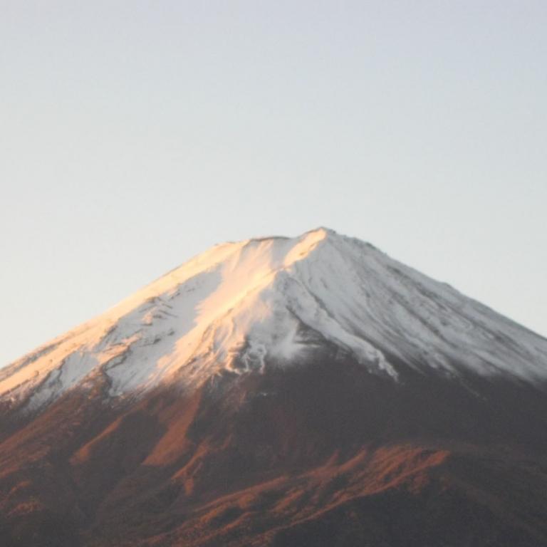 В 5 часов утра, из гостиницы на берегу озера Кавагути; Яманаси
