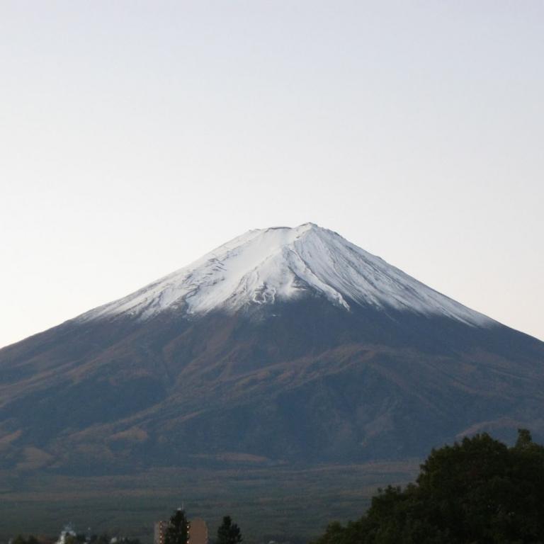 В 7 часов утра, из гостиницы на берегу озера Кавагути; Яманаси