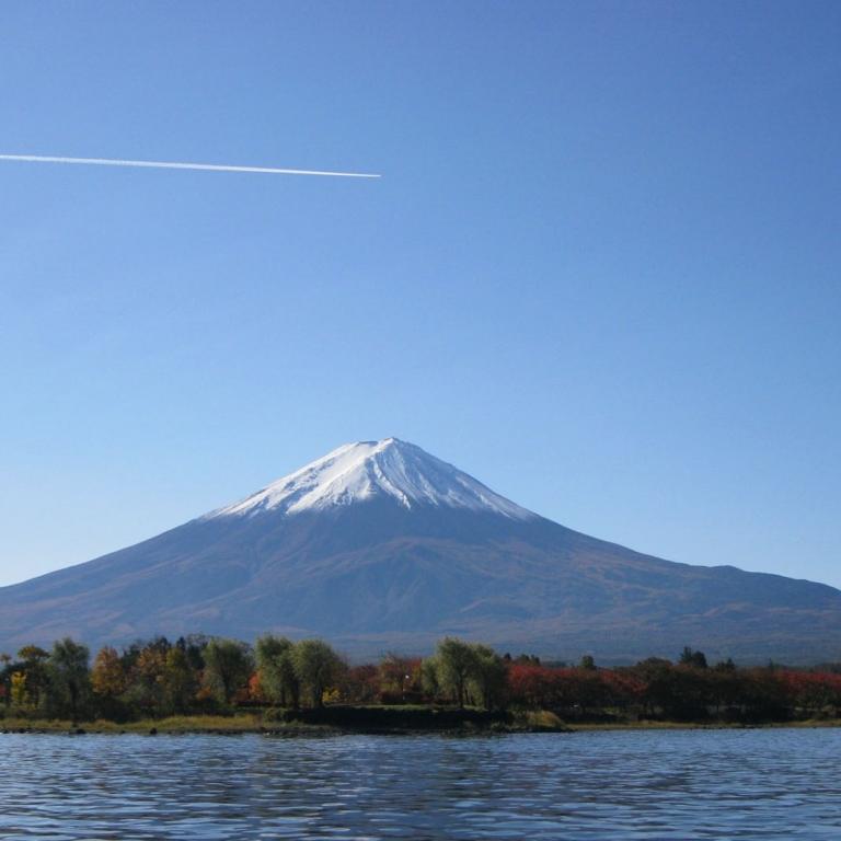 С катера на озере Кавагути; Яманаси