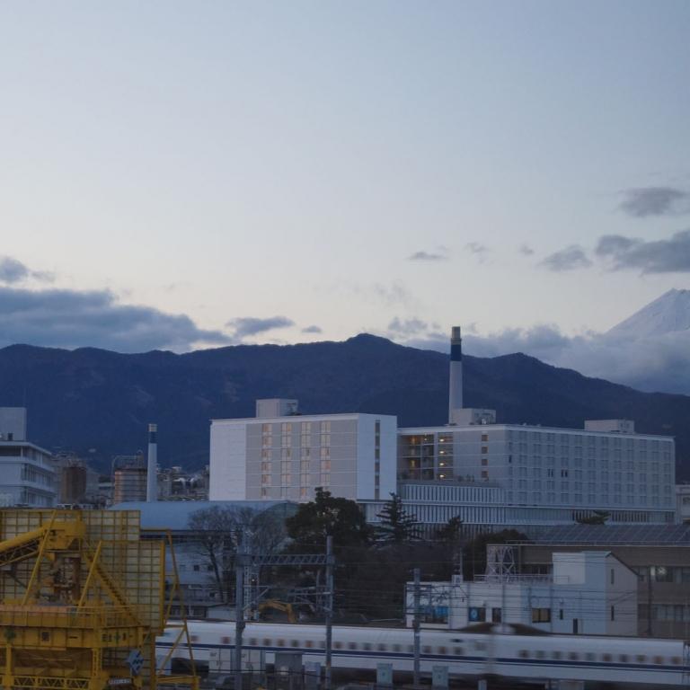 Из окна гостиницы в Мисима; Сидзуока